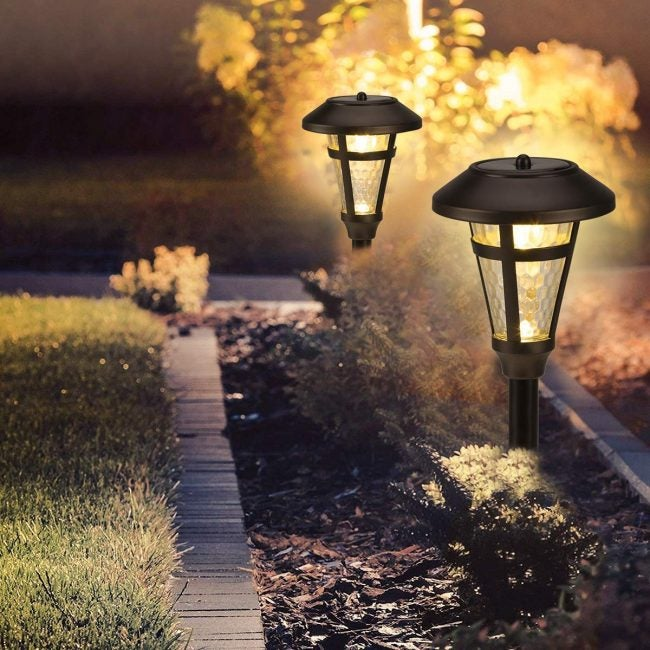 Best Solar Path Lights for Traditional Design: Gigalumi