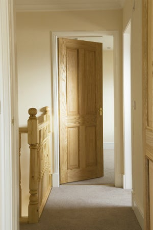 3 Key Strategies for How to Soundproof a Door