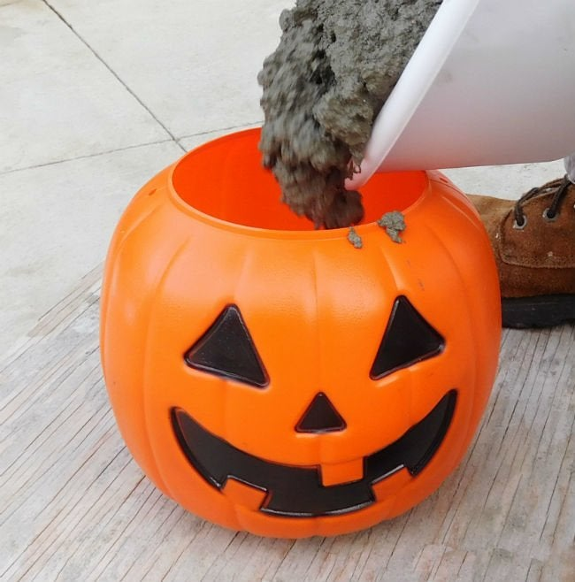 How to Make Concrete Pumpkins with Quikrete