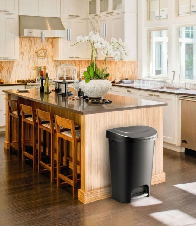 Genial The Best Kitchen Trash Can For Every Budget, Style, And Size Of