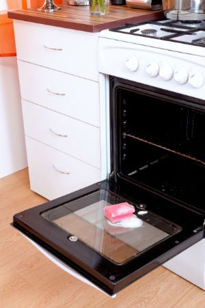 Self-Cleaning Ovens 101: If and When to Use The Cleaning Feature
