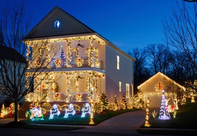 How to Hang Christmas Lights Outdoors