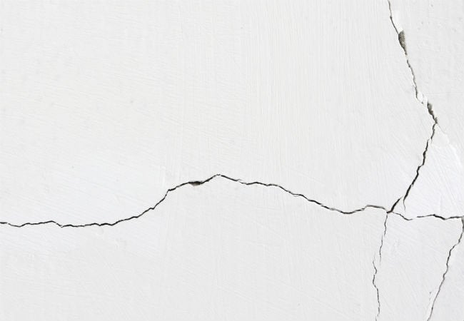 fixing cracks in drywall inside corners