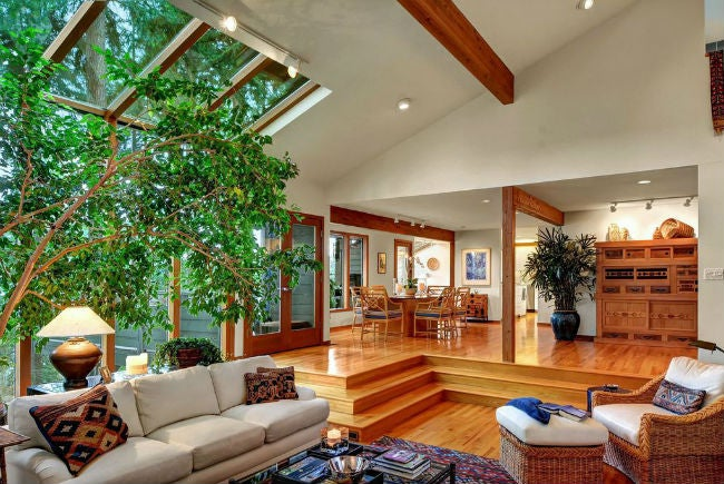 Sunken living rooms 101 can the old fad make a comeback bob vila for Houses with sunken living rooms