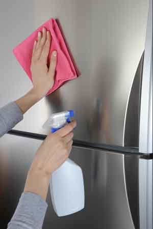 How to Make Homemade Stainless Steel Cleaner