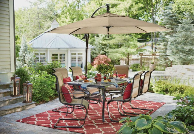 Best Patio Umbrella Options for Your Outdoor Space
