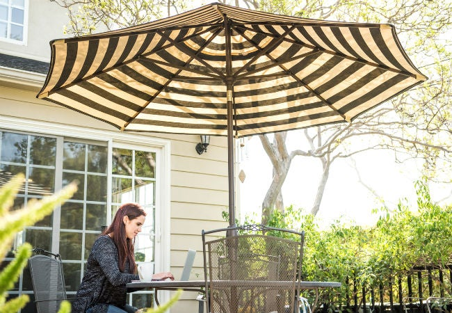 Ordinaire The Best Patio Umbrella Options For Your Outdoor Space