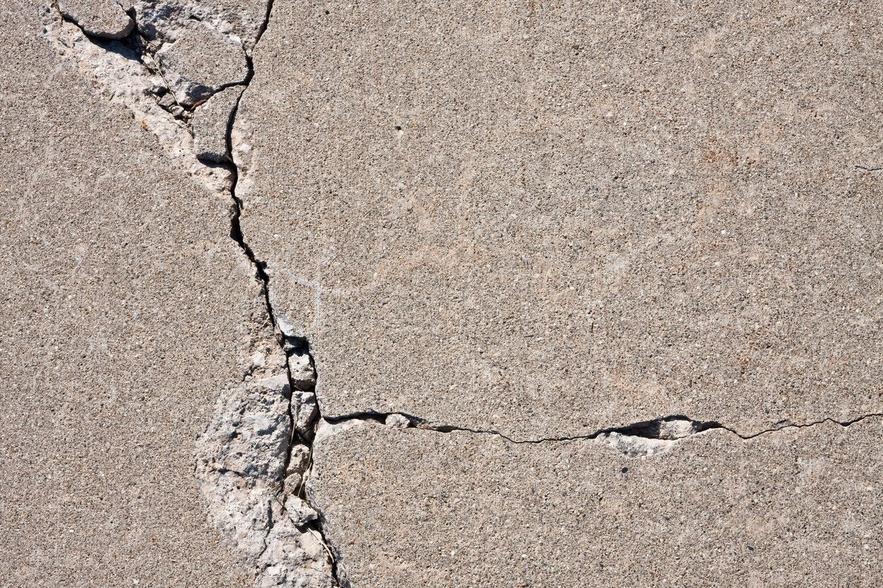 How to Fix Cracks in a Concrete Driveway