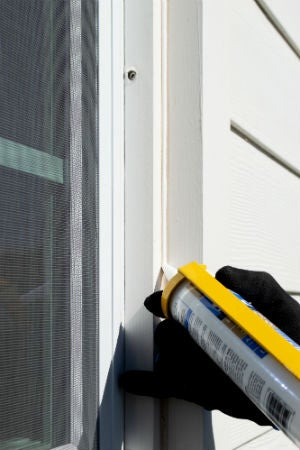 3 Reasons to Caulk Before Winter