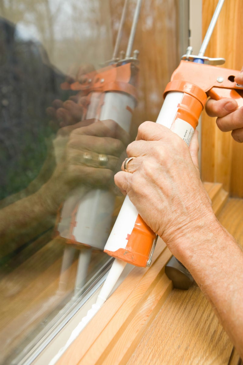 The Best Tips and Tools for Caulking Windows