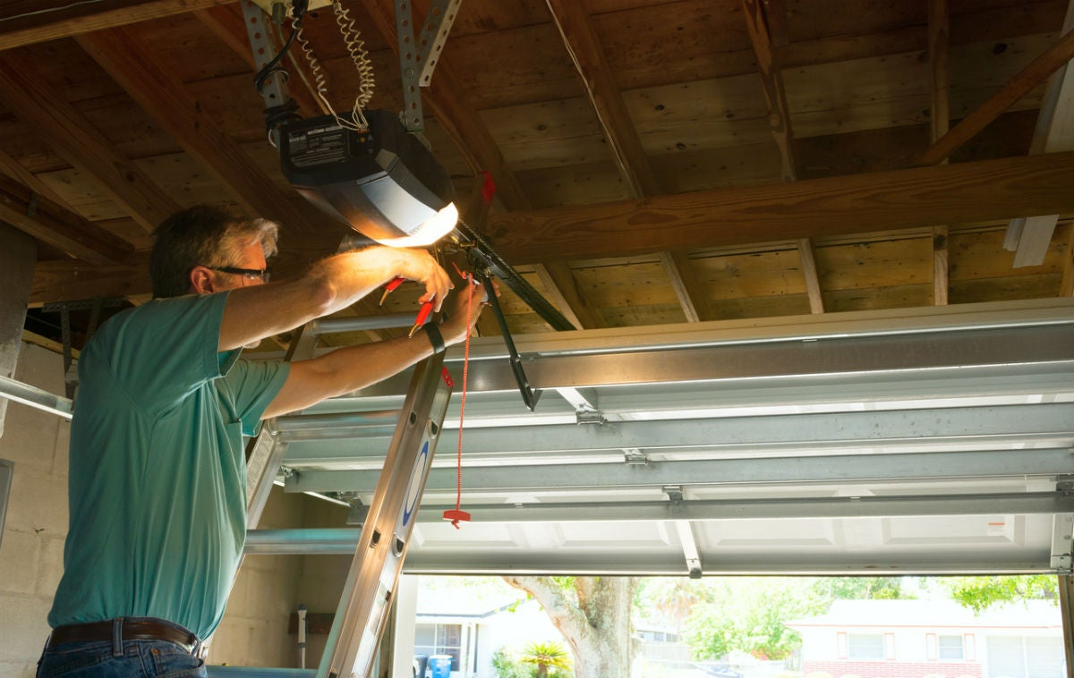 10 Tips to Improve Your Garage Lighting