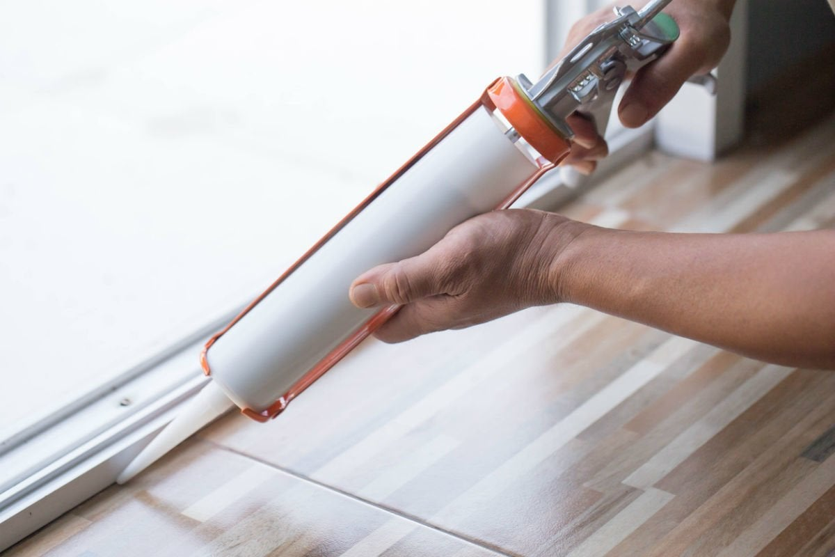 How Long Does Caulk Take to Dry? Solved! | Bob Vila