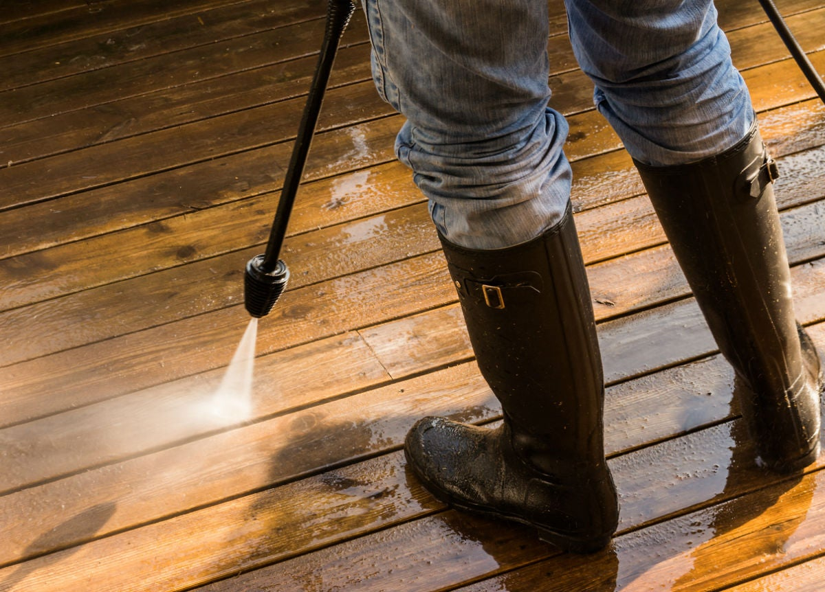 The Best Deck Cleaner, According to Homeowners