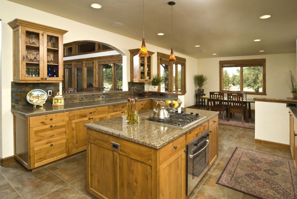 How to Settle on the Right Kitchen Island Size