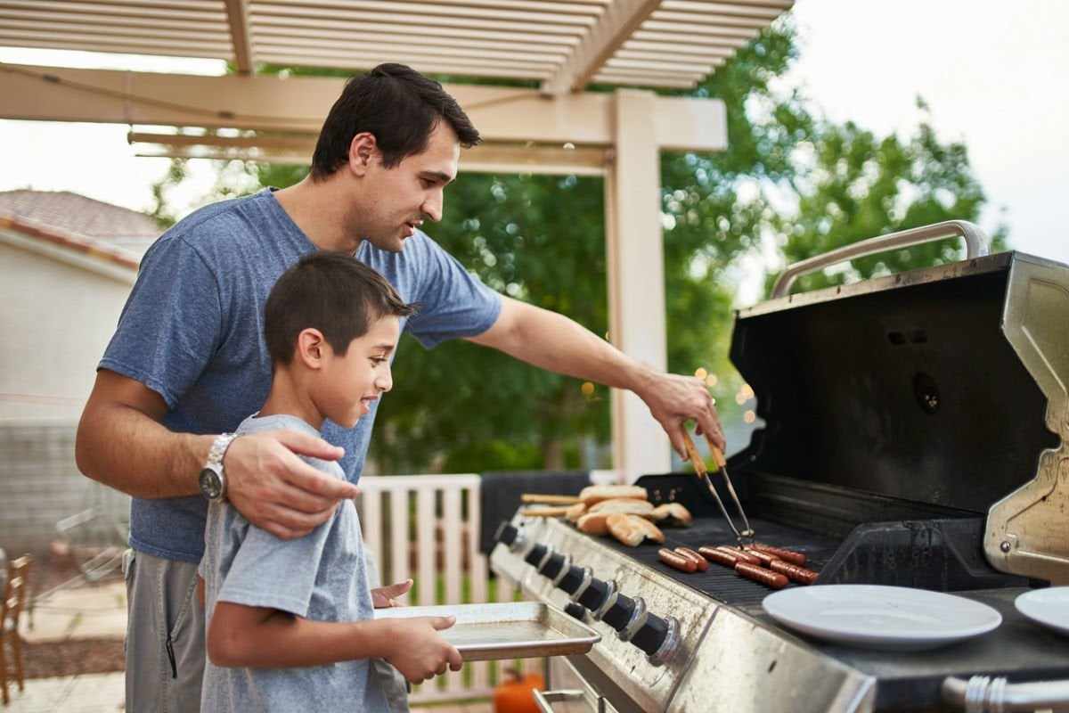 Gas vs. Charcoal Grills: Here's Which Offers Better Temperature Control