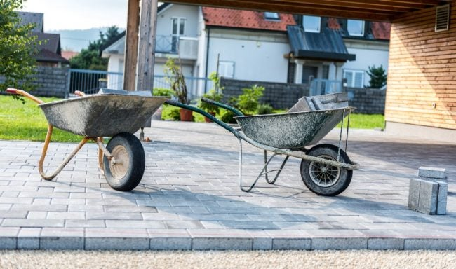 The Best Wheelbarrow, According to DIYers