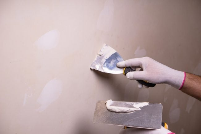 Joint Compound vs. Spackle for Wall Repair