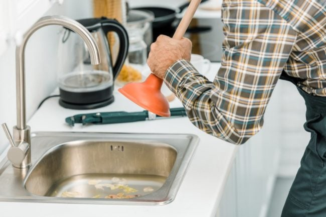 Clogged Kitchen Sink? How to Plunge the Drain Correctly