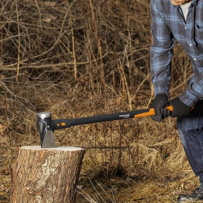 Best Long-Handle Axe for Splitting Wood: Fiskars