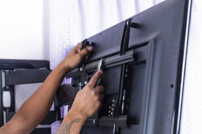 Installing the Best TV Wall Mount at Home