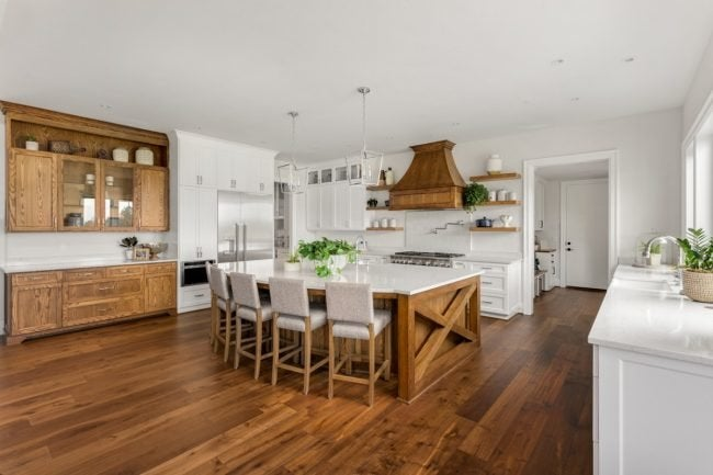 Choosing Prefinished Hardwood Flooring for Renovations