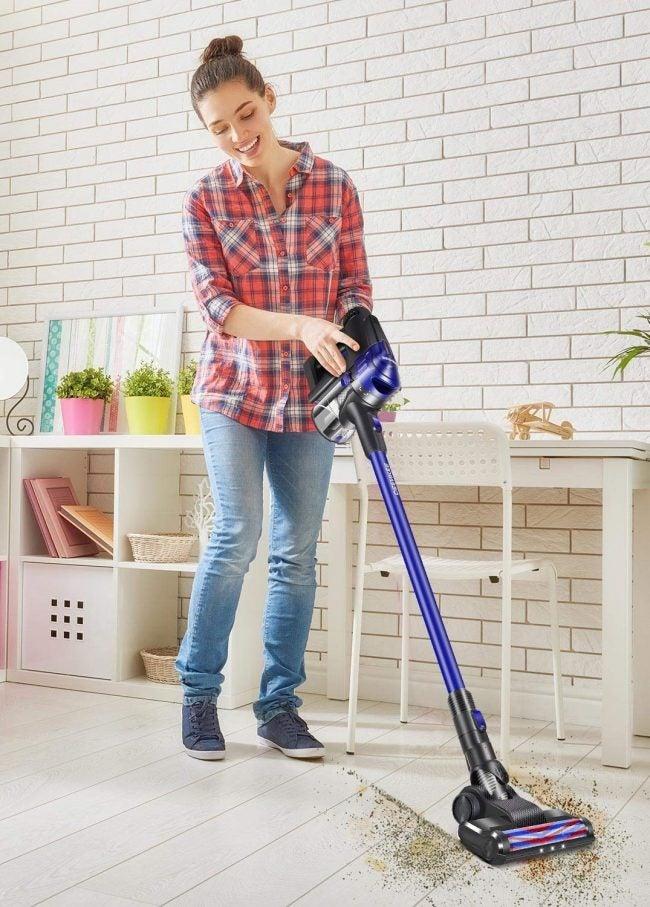 Best HEPA Vacuum: DEENKEE
