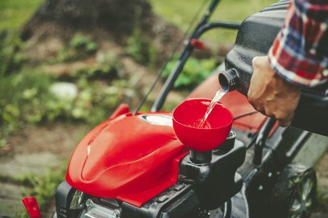 Gas vs. Electric Mower Maintenance