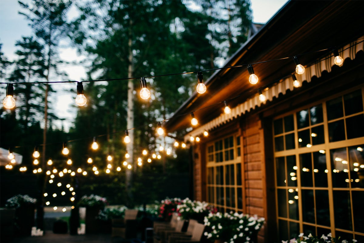 String Lights For Your Backyard
