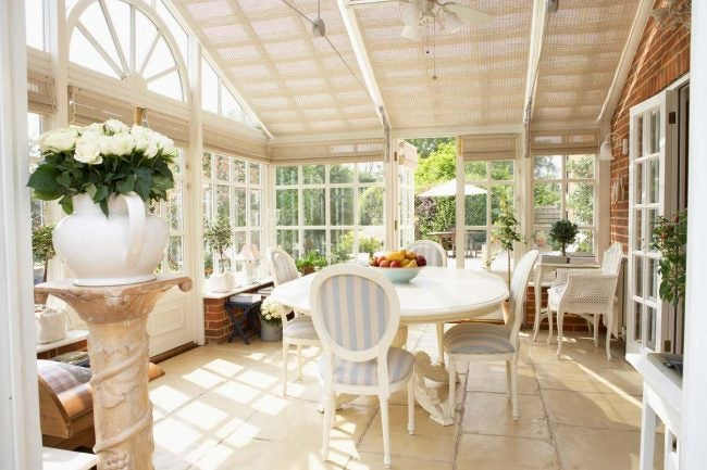 What Exactly is a Sunroom: Decorating Tips