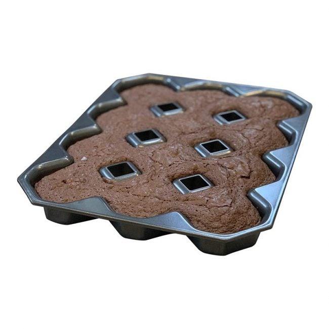 The Best Brownie Pan Option: Bakelicious Crispy Corner Brownie Pan