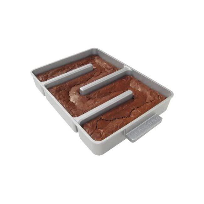 The Best Brownie Pan Option: Baker's Edge Nonstick Edge Brownie Pan
