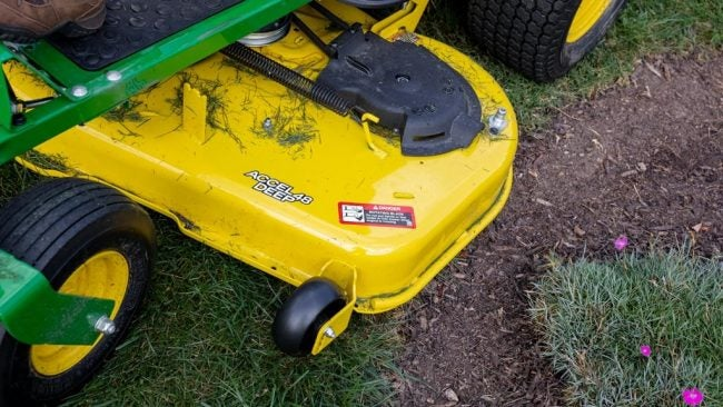 Zero Turn vs. Lawn Tractor: Deck Size