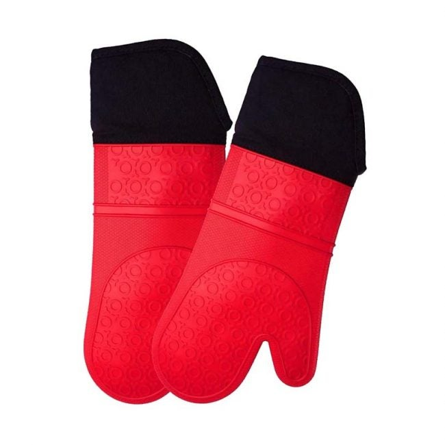 The Best Oven Mitt Option: Homwe Extra Long Professional Silicone Oven Mitt