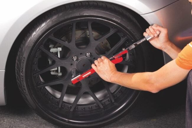 Types of Torque Wrenches: Deflecting Beam Torque Wrench