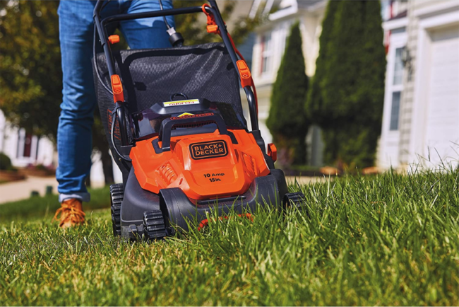The Best Lawn Mower For Small Yards Option