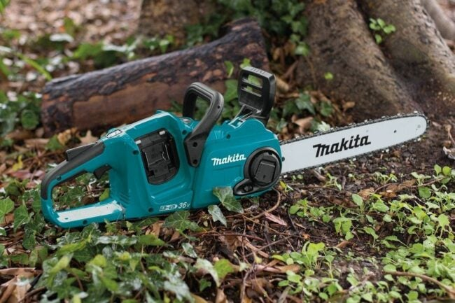 The Best Battery Chainsaws Option