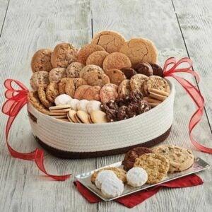 最好的礼品篮选项:Harry&David Deluxe假日饼干礼品篮