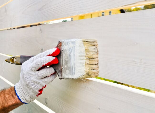 The Best Fence Paint for a DIY Outdoor Refresh