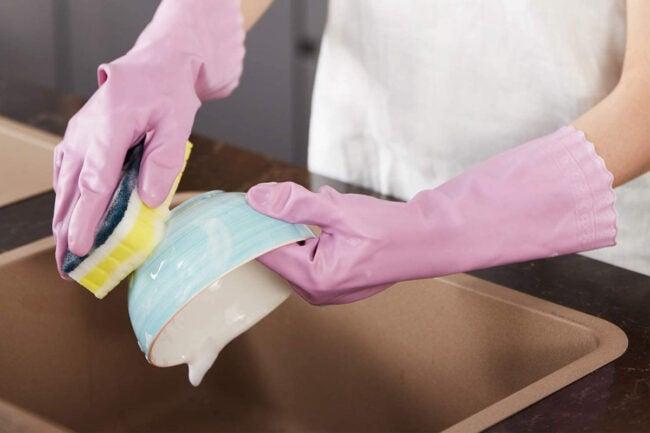 The Best Dishwashing Gloves Options