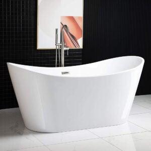Best Bathtub Options: WOODBRIDGE Acrylic Freestanding Bathtub