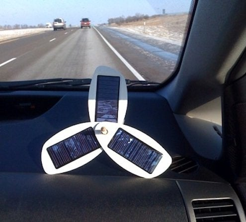 imamuseum-solio-solar-powered-mobilephone-charger