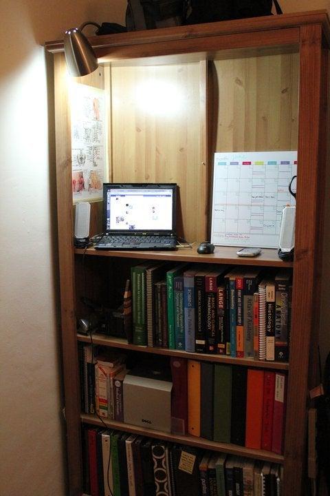 Diy Bookshelf Small Spaces