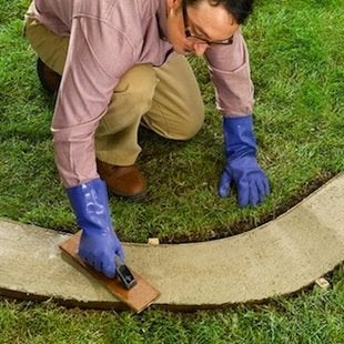 How to Make Concrete Garden Edging - Finishing