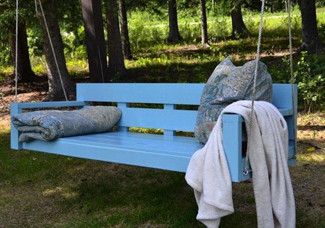 DIY Outdoor Furniture - Porch Swing