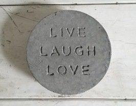 Concrete_stepping_stone_thumb