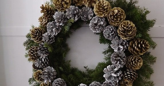 How to pinecone wreath nicole