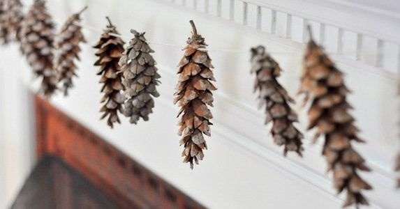 How to make pinecone garland