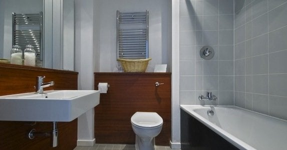 15 ways to make a small bathroom big