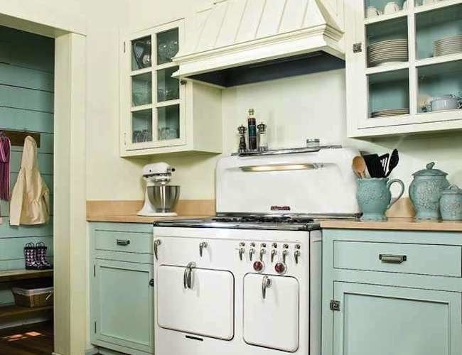 How to paint kitchen cabinets bob vila - How to glaze kitchen cabinets that are painted ...