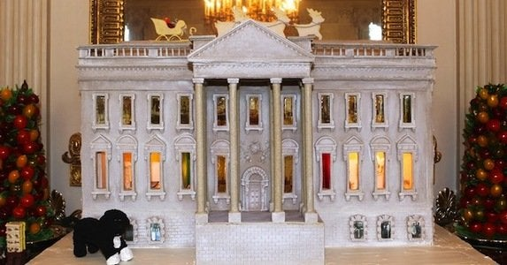12 architectural   appetizing gingerbread houses